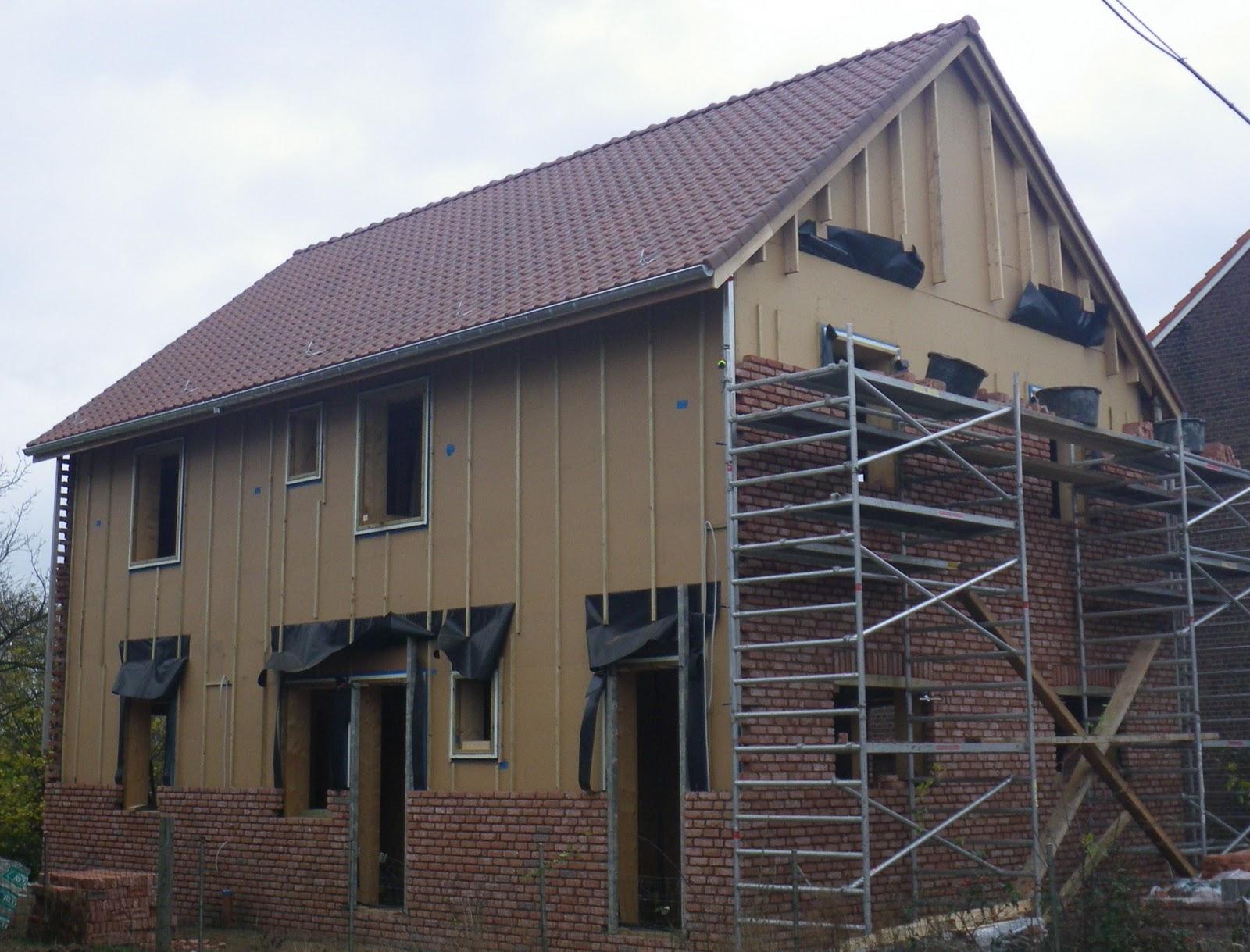 Maison paille et bois for Maison bois et paille