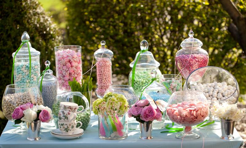 Easy DIY Candy Buffet for events and weddings