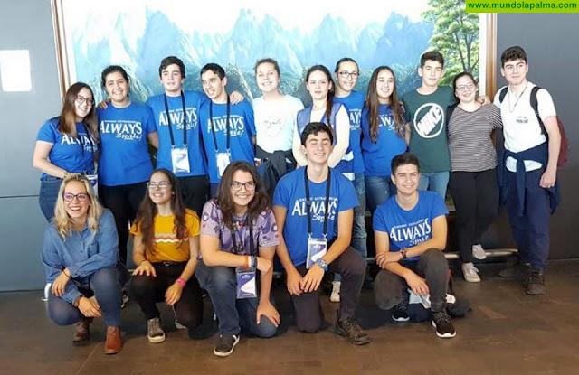 Estudiantes becados por el Cabildo concluyen su formación en inmersión lingüística