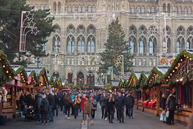 mercatini-di-natale-vienna-piazza-del-municipio-poracci-in-viaggio