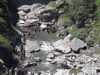 17-amarnath-pilgrims-killed-31-injured-as-srtc-bus-plunges-into-gorge-in-ramban-18-airlifted-to-jammu