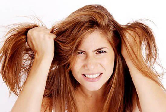 Những thói quen hàng ngày vô tình tàn phá mái tóc của bạn -4