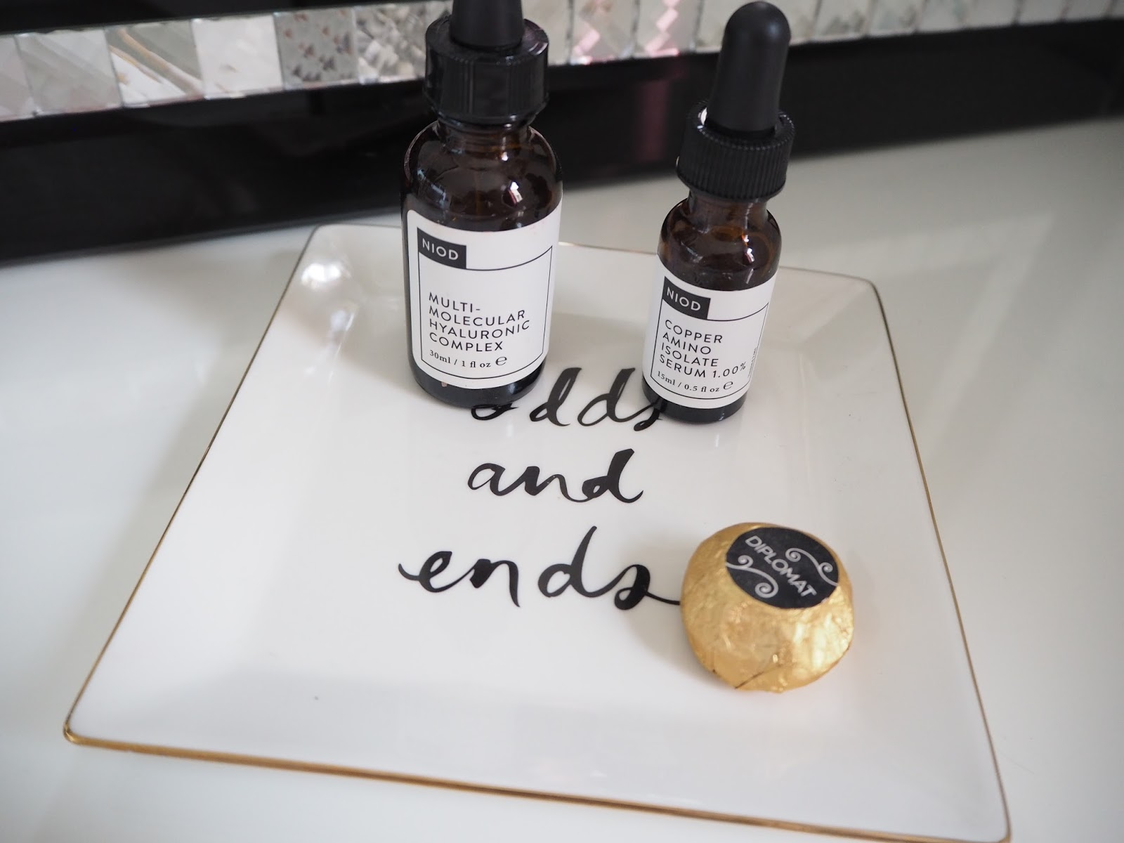 The review: Niod Multi Molecular Hyaluronic Complex and Copper Amino Isolate Serum