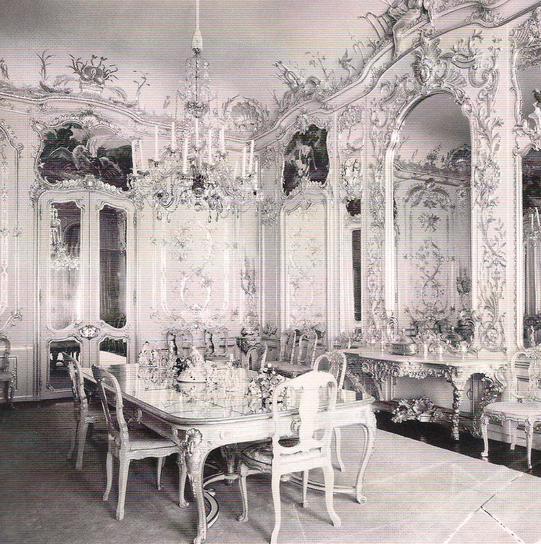 The Devoted Classicist: Chips Channon's Dining Room