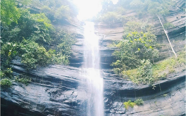 Wisata Alam Air Terjun Karawa Pinrang