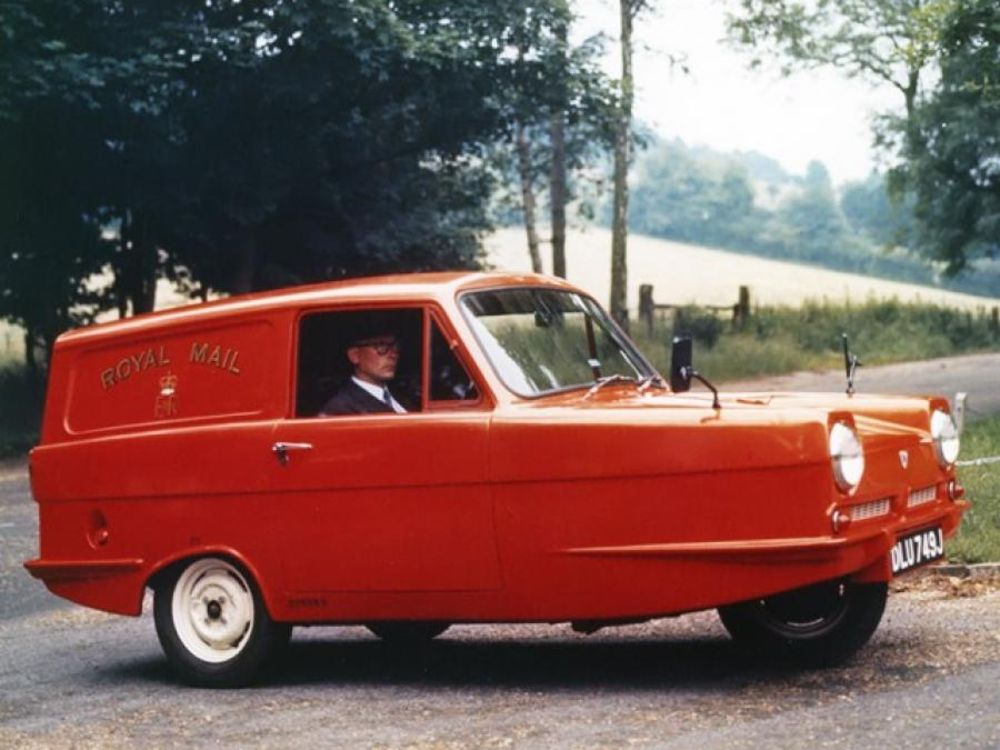Reliant Robin A Three Wheeled Car That Was Voted The