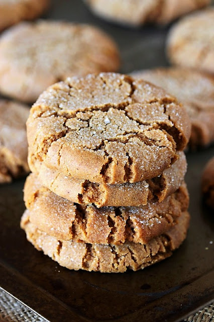 Molasses Crinkles Cookies Image
