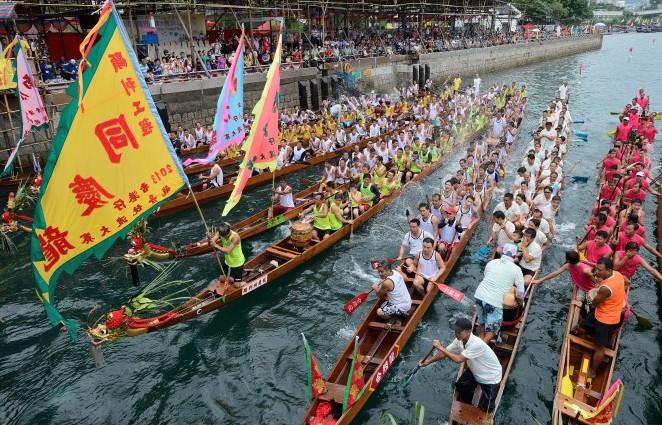 Orang Cina meyakini Kalijodo bisa mendatangkan hoki