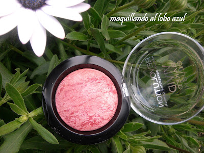 Colorete loved me the best de Makeup Revolution