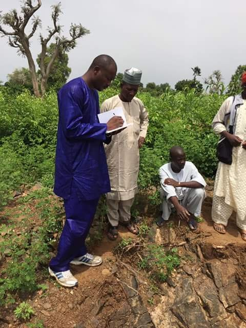 After Kaduna's Nickel; High Quantity Raw Gold Found In Kano Remote Village; See Photos Of Villagers Mining It Raw