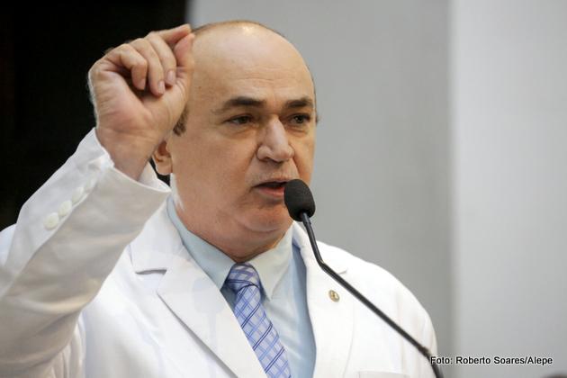 Alepe: Deputado Dr. Valdi aponta falhas em serviços públicos de saúde ofertados em Goiana