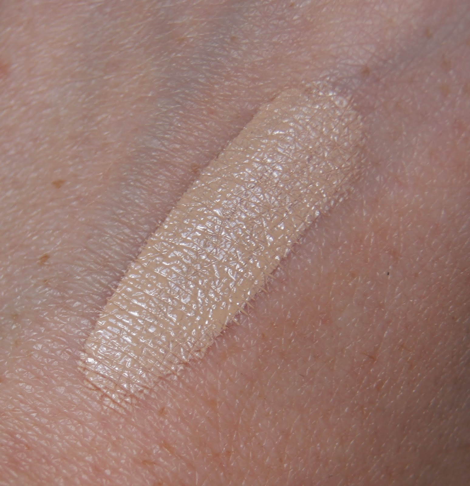 estee lauder double wear concealer warm light swatch