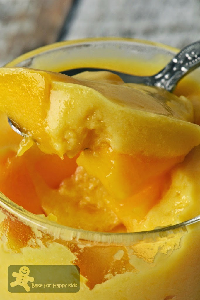 smooth creamy Chinese fresh mango puddings