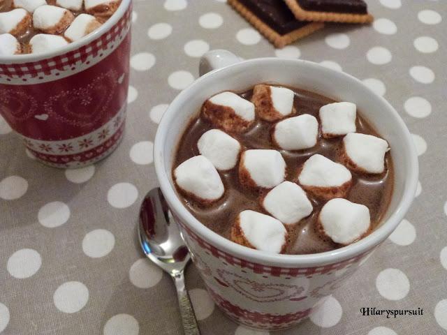 dans la cuisine d 39 hilary chocolat chaud l 39 ancienne et ses petits marshmallows traditional. Black Bedroom Furniture Sets. Home Design Ideas