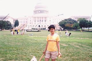 曾铮的女儿2004年7月在法轮功集会结束后摄于美国华盛顿国会山庄。(曾铮提供)