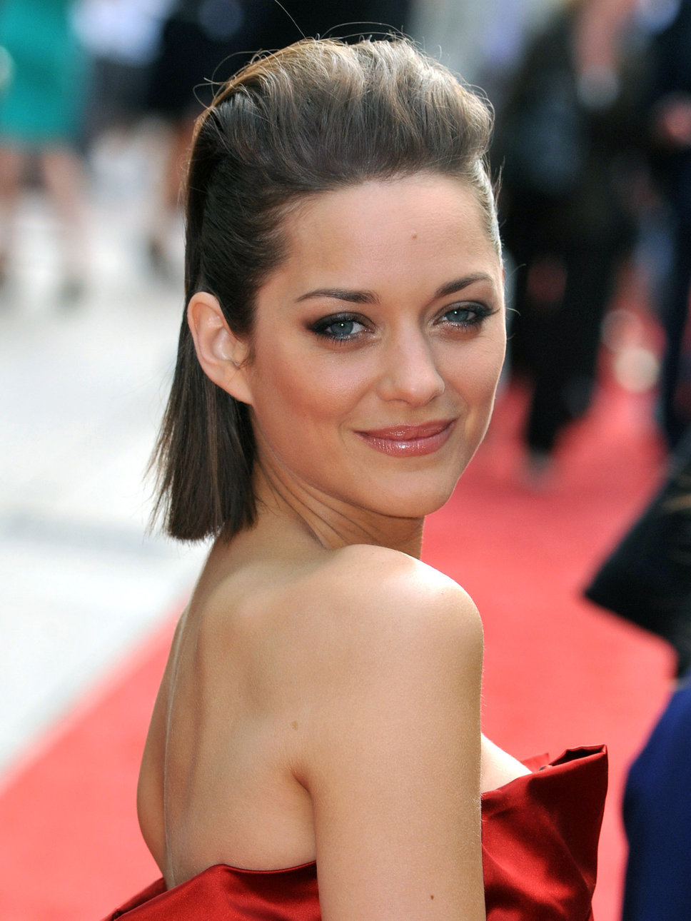 Marion Cotillard Short Hairstyle Pictures Curly Hairstyles