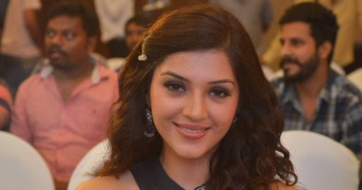 South actress Mehreen Kaur latest images in black color outfit at an event
