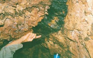 veio de ouro no quartzo em uma mina de Apiaí-SP