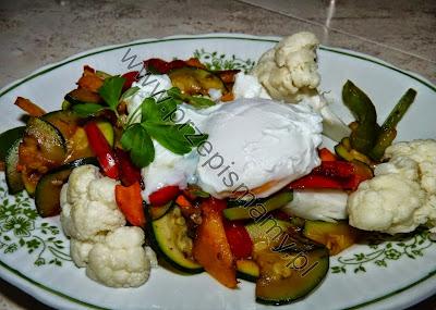 Warzywa z jajkiem