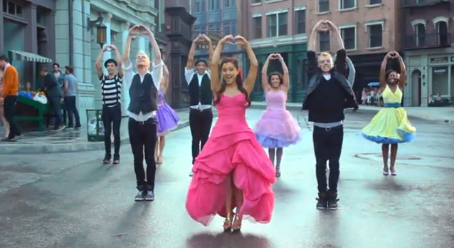 Amazing Ariana Grande ...
