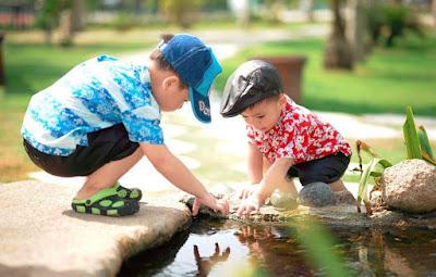 mengajarkan anak keterampilan bersosialisasi atau social skill