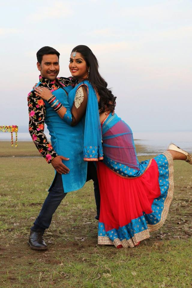 Dinesh Lal Yadav, Amrapali Dubey Shooting stills of Bhojpuri Movie Ram Lakhan