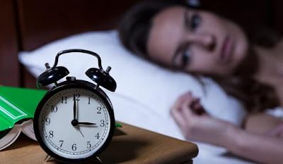 thoại - Lý do thoái hóa cột sống cổ gây mất ngủ? Thoai-hoa-dot-song-co-gay-mat-ngu