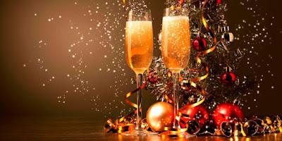 imagem de taças de champanhe