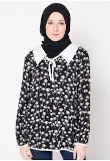 Foto Model Batik Muslim Kerja