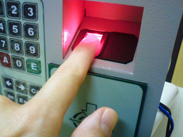 Registro de asistencia biometrico