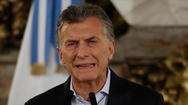 Macri es denunciado por abuso de autoridad