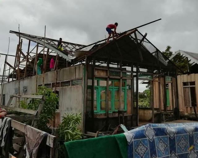 Angin Kencang Terjang 9 Rumah Warga dan 1 Sekolah di Desa Sekulat