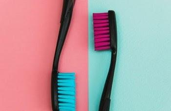 Οι 5 εναλλακτικές χρήσεις μίας οδοντόβουρτσας
