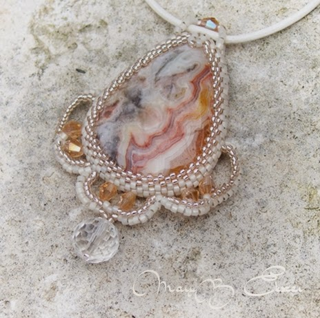 af6a1f049 MaryB ékszer: Estell , csipke achát medálos, romantikus nyaklánc.