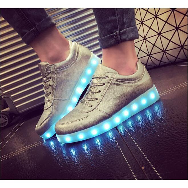 sortie en vente fréquent publier des informations sur Actu, star, modes and co: LED nouvelle chaussure à la mode