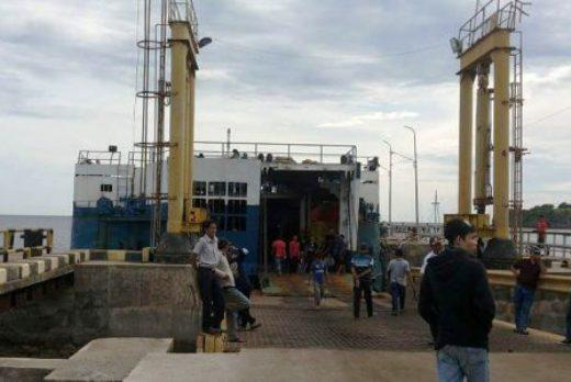 """Jadwal, Kapal Molor, Petugas Pelabuhan, Bilang ,Hanya, Diskomunikasi"""""""