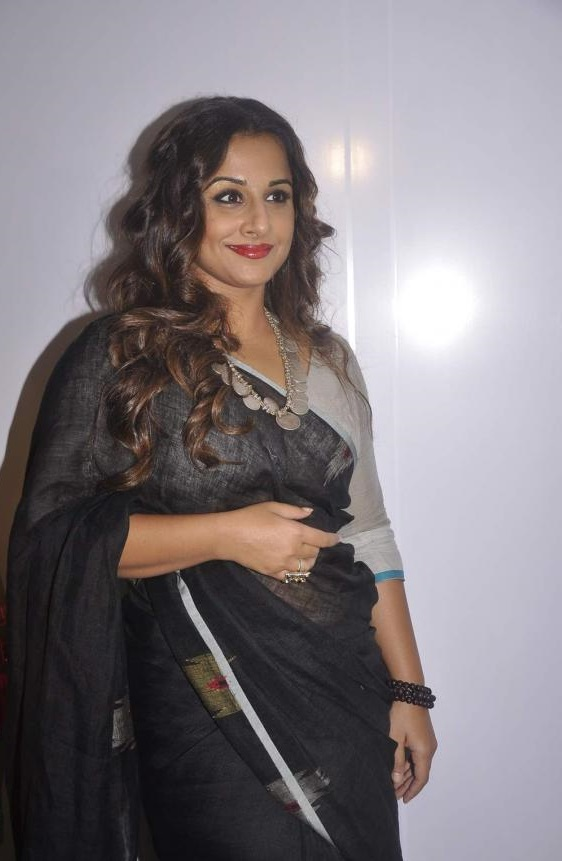 Vidya Balan 2016 Very Hot Beautiful Photos In Black Saree