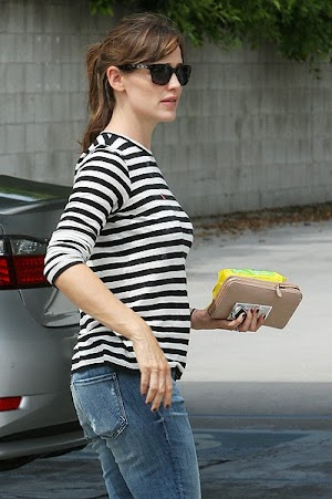 Denial! Is Jennifer Garner not pregnant?