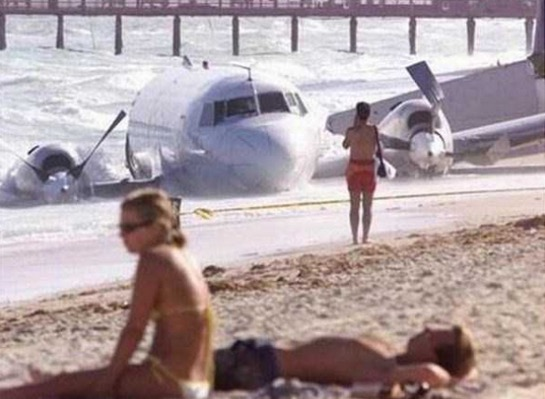 Aksi Pelik yang Sempat Dirakam Sekitar Pantai Peranginan