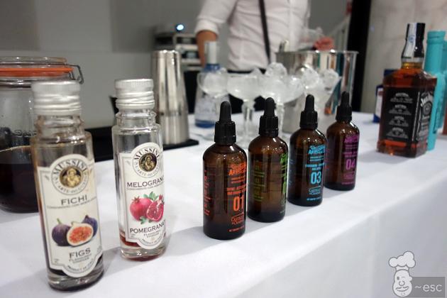 Aceites de oliva y vinagres aromatizados para cocteles