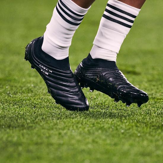 innovative design 5f9de 772f9 Paulo Dybala Wears Blackout Adidas Copa 19+ Boots vs Manchester United