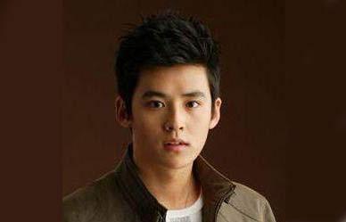 Park Jin-Woo  Glass Mask