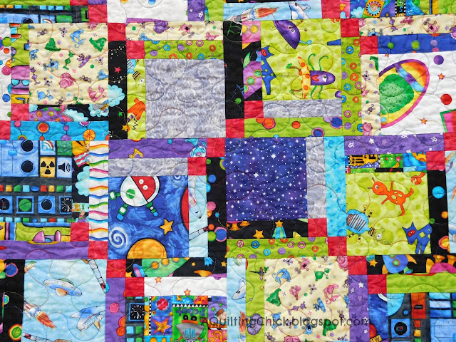Mini Alien Quilt - Center Detail