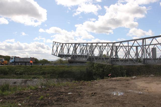 Ponte militar deve entrar em funcionamento no fim de semana