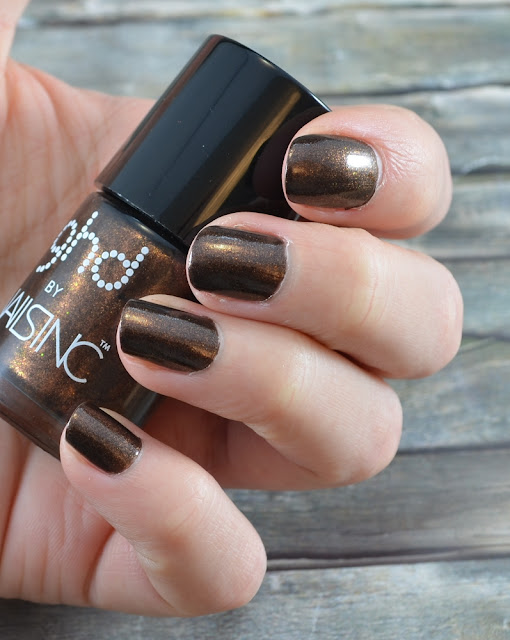 ghd by nailsinc Nagellack Fierce Copper Tragefoto