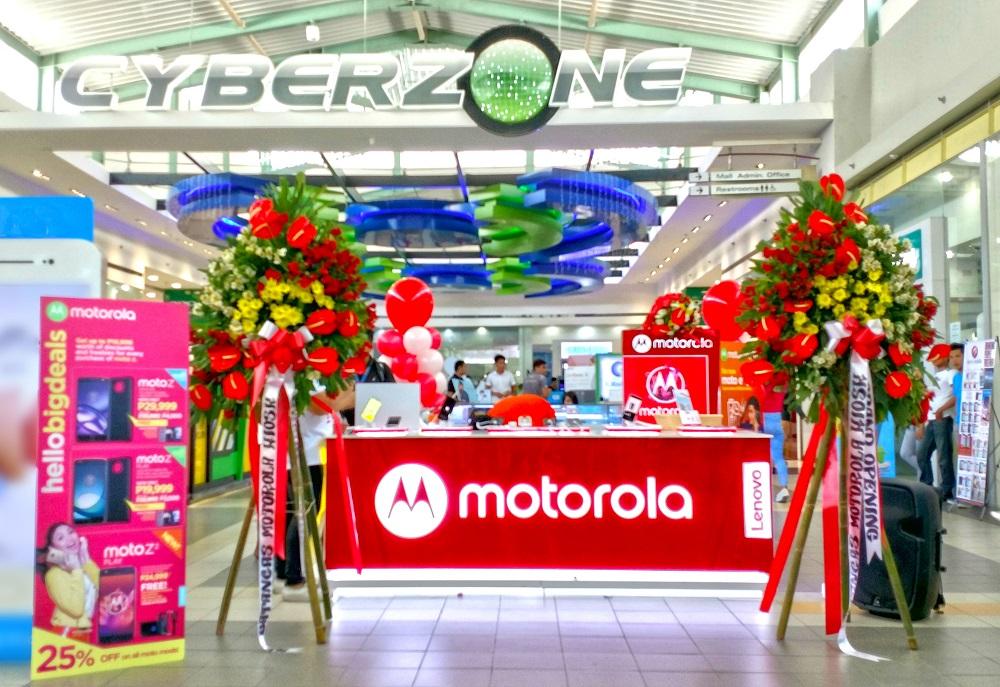 Motorola opens SM Batangas Moto Kiosk