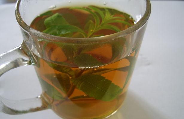 شاي طبيعي لتخفيف متاعب الجهاز الهضمي والقولون