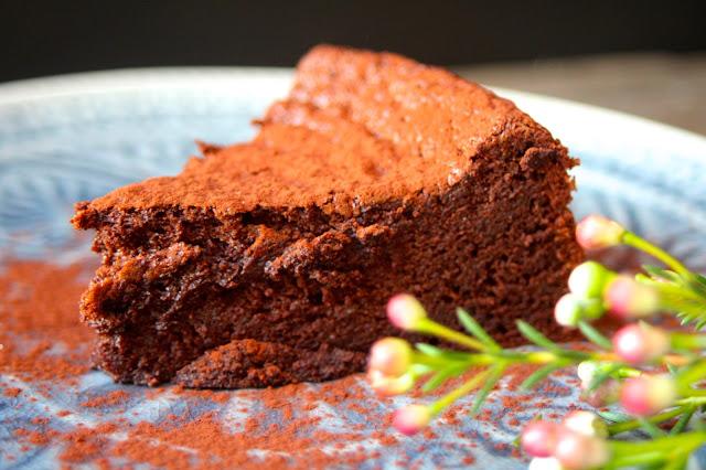 Zart-schmelzener-Schokoladenkuchen