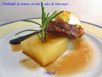 Solomillo de ternera con brie y salsa de vino negro