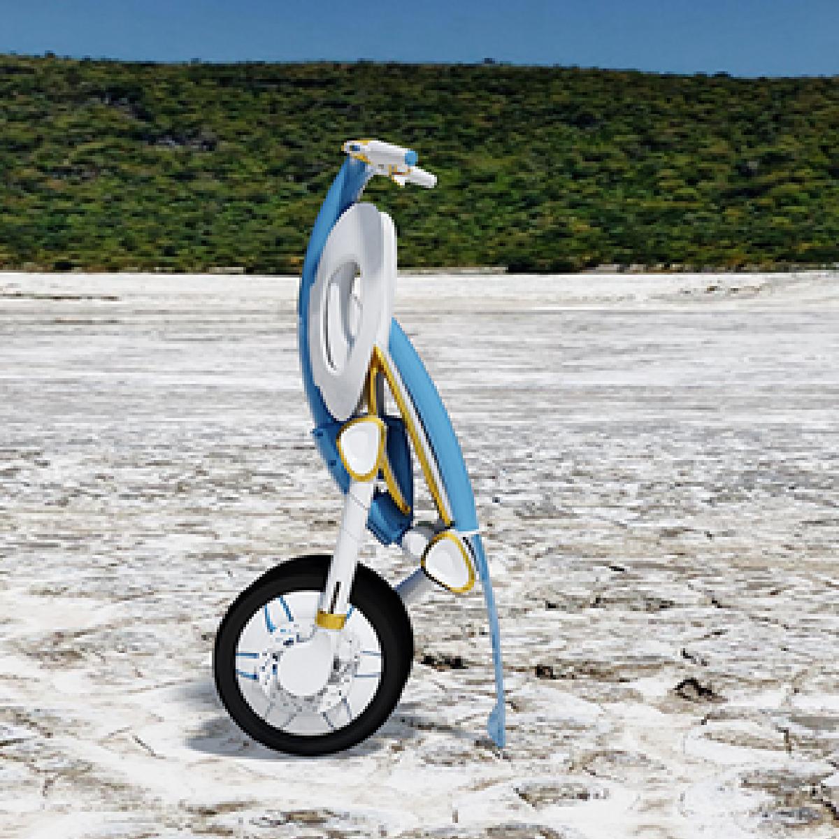 Un scooter plié et qui est électrique
